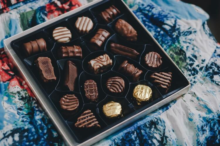 THE CONNECTION BETWEEN CHOCOLATE CRAVINGS AND ALCOHOL CRAVINGS